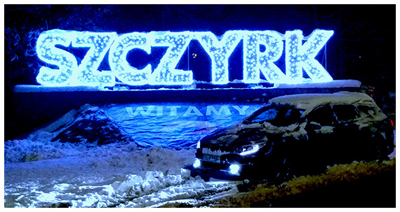 Zdjęcie auta z napisem w tle Szczyrk